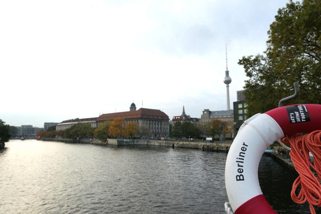 Kapitel Zwei Berlin Dampfschiff